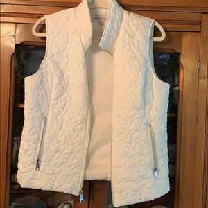 White puffy vest with star embroidery. Large. EUC